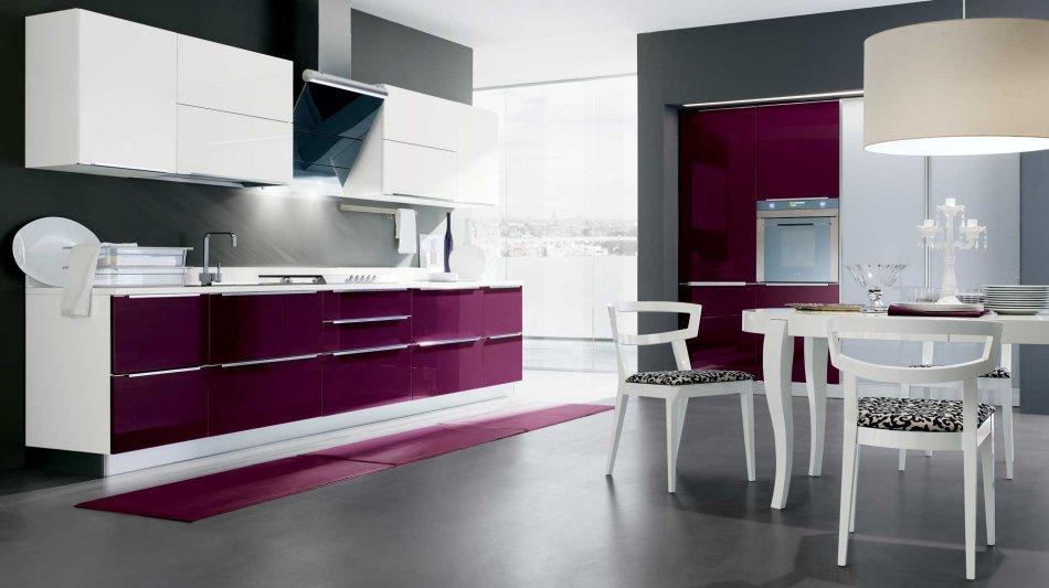 Cucina Moderna City: Colori Briosi e Design Lineare: Gicinque