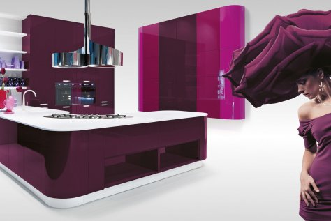 Plum glossy lacquered