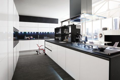 Cucina Moderna Bianco Lucido e Melanzana Lucido - Slim